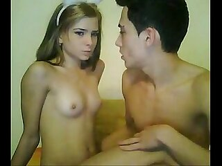 18 year old amateur couple on cam