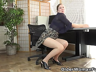 American milf Valentine doesn't wear panties at the office and the thin fabric of nylon pantyhose can't hide her hairy pussy (now available in Full HD 1080P). Bonus video: US mature Zoe.
